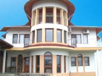 Къща Вила Листи