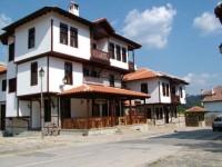 Хотел Алекандрови къщи