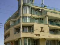 Семеен хотел Туди