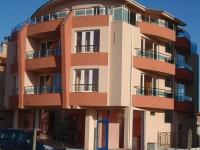 Семеен хотел Леонор