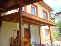 Къща Славови