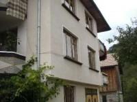 Къща Голеви