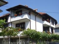 Семеен хотел Младенова къща