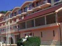 Хотел Холидей Бийч