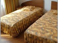 Семеен хотел Тенекеджиеви